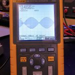 FLUKE 123, 2-Kanal Handheld-Oszilloskop 20MHz, 10.2cm Monochrom